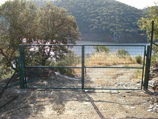 Vallas y ocultaciones perimetrales de jardín Tanques Girona